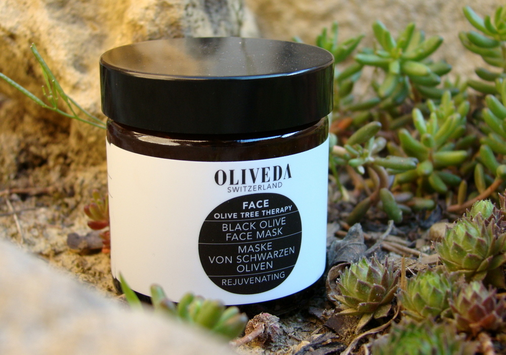 OLIVEDA Black Olive Face Mask