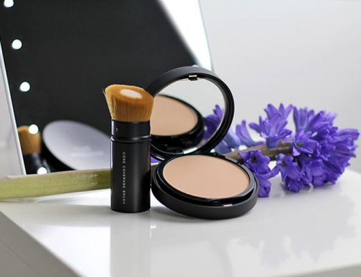 bareMinerals® BAREPRO® Performance Wear Powder Foundation