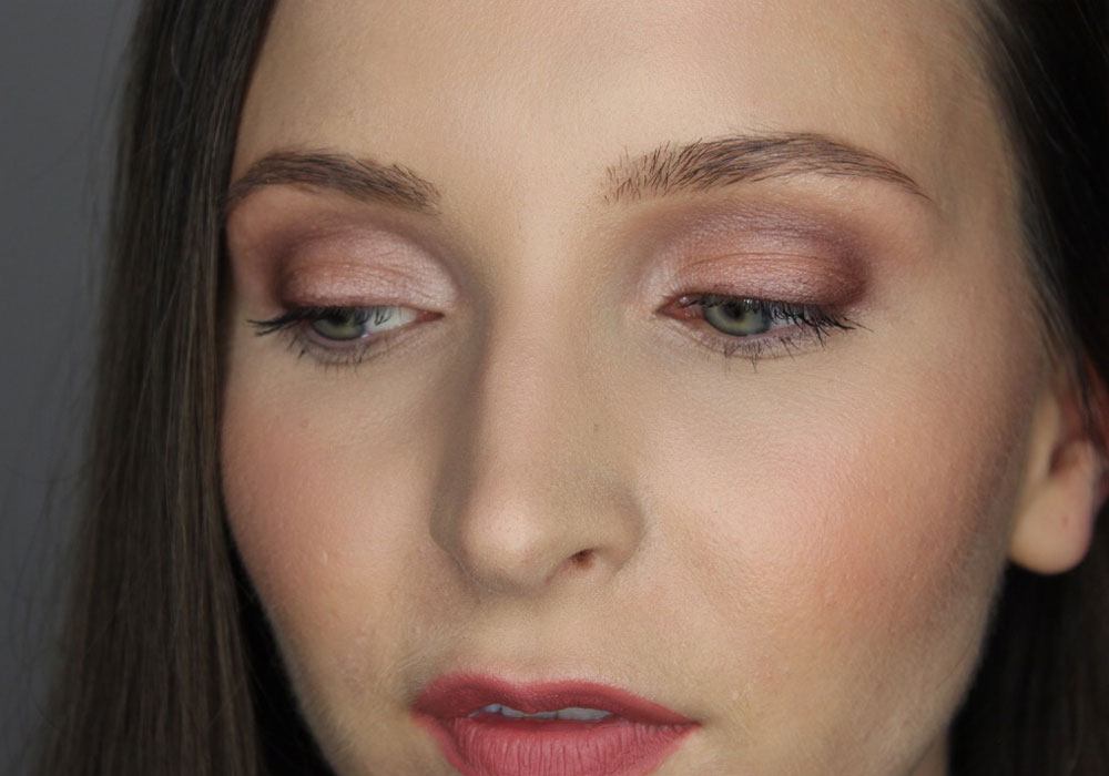NUDE BY NATURE Make-up Tutorial width=