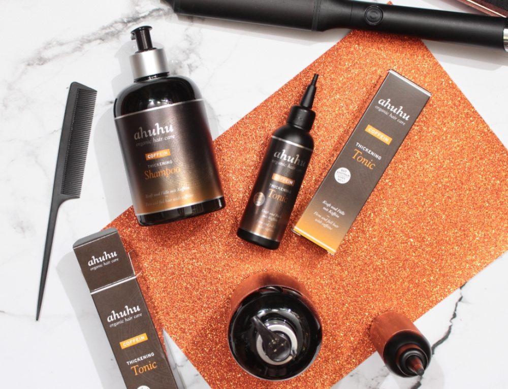 Mehr Haarfülle – mit ahuhu organic hair care COFFEIN Thickening Shampoo & Tonic