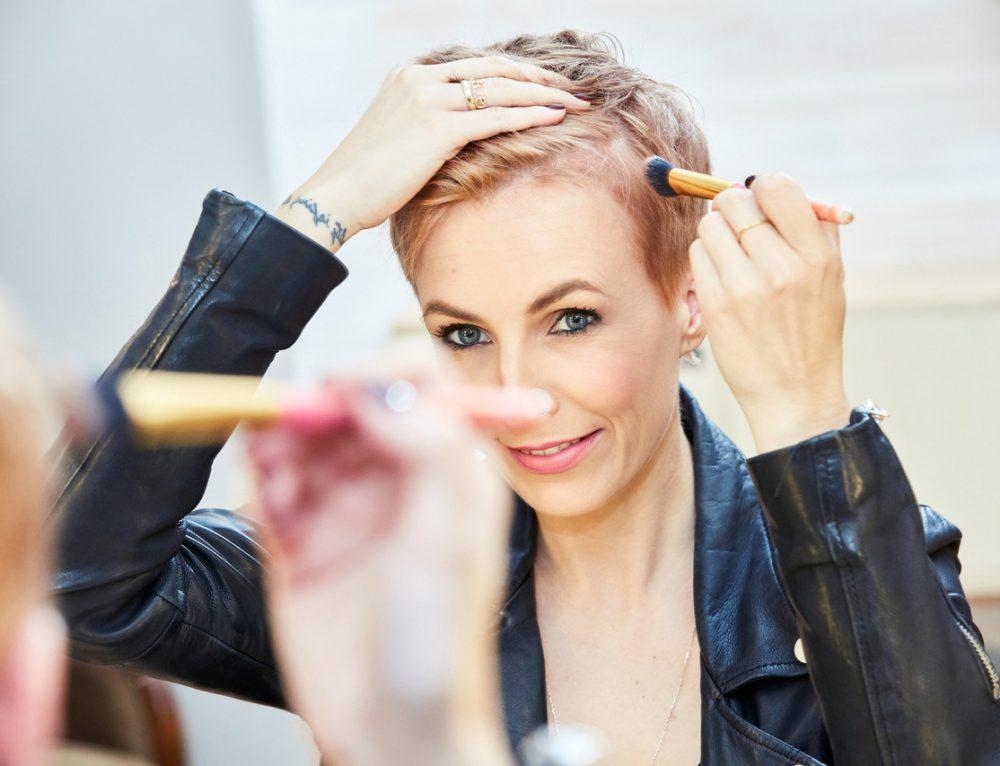 Beauty Quick Tipp: Geheimratsecken gekonnt kaschieren