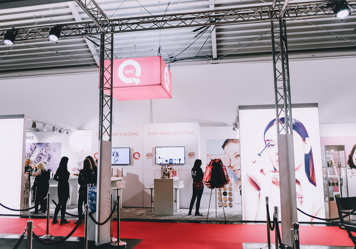QVC Messestand BUNTE Beauty Days