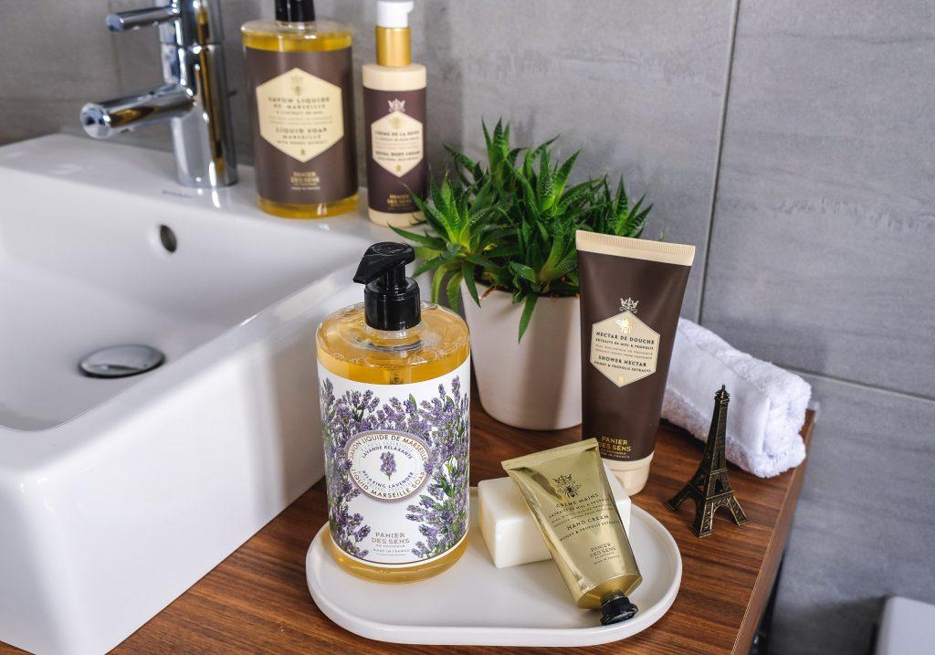 PANIER DES SENS Relaxing Lavender Liquid Marseille Soap & Honey & Propolis Extract Skincare