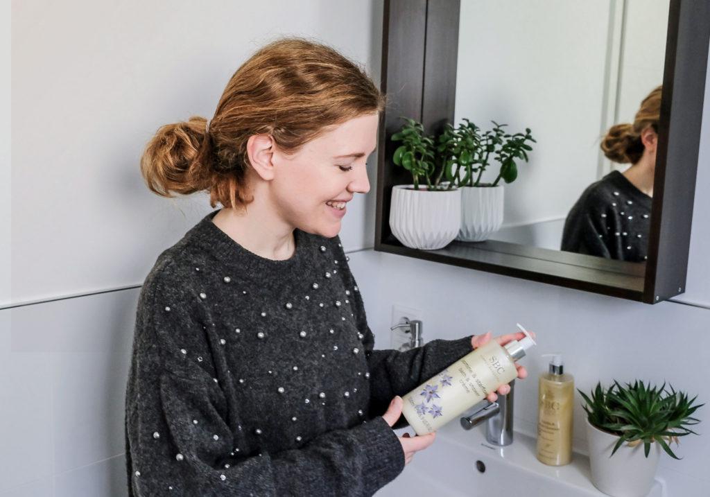 SBC Jasmine & Starflower Bath & Shower Creme Anwendung