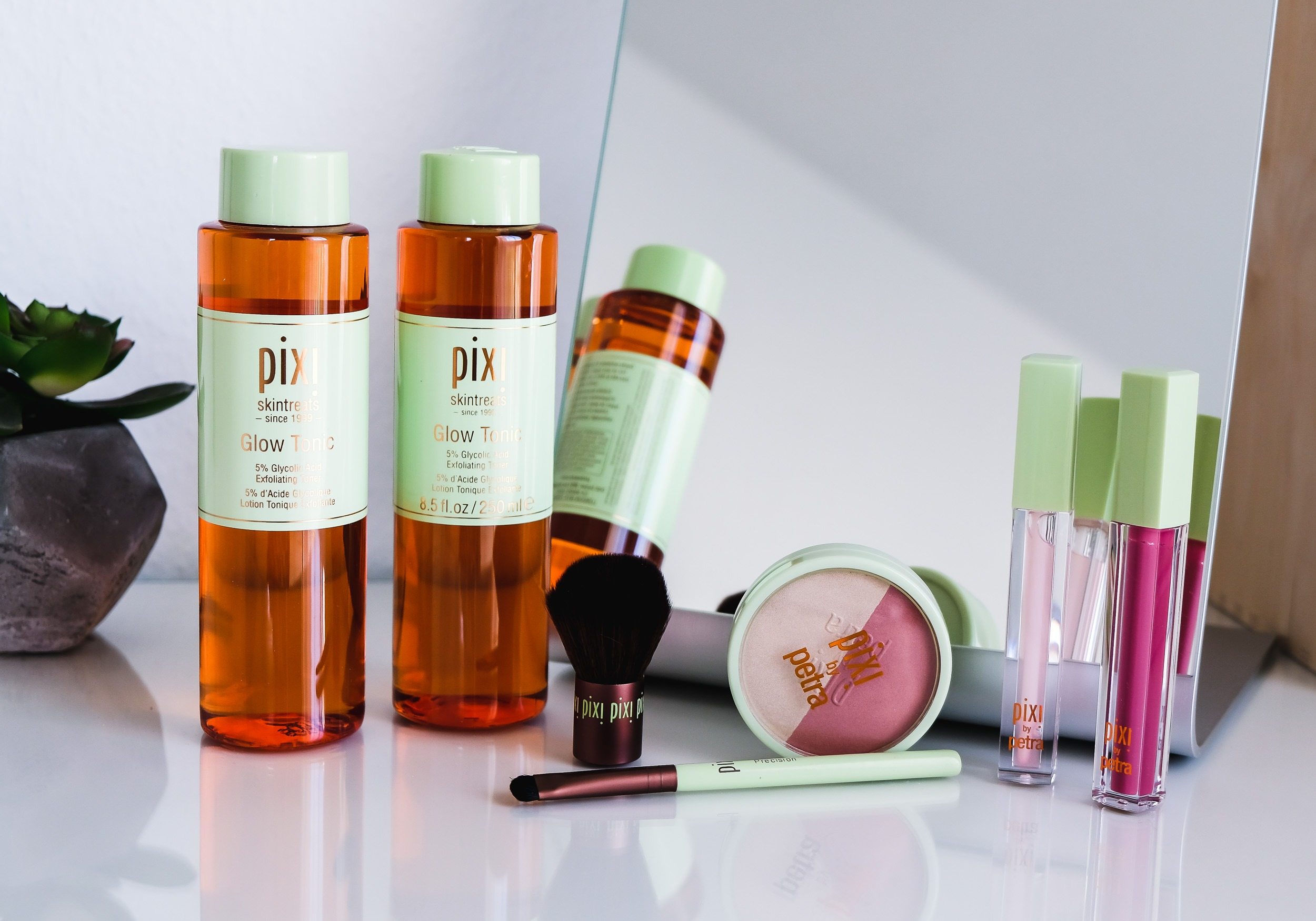 PIXI Glow Tonic, Beauty Blush Duo, Kabuki & Liplift Max