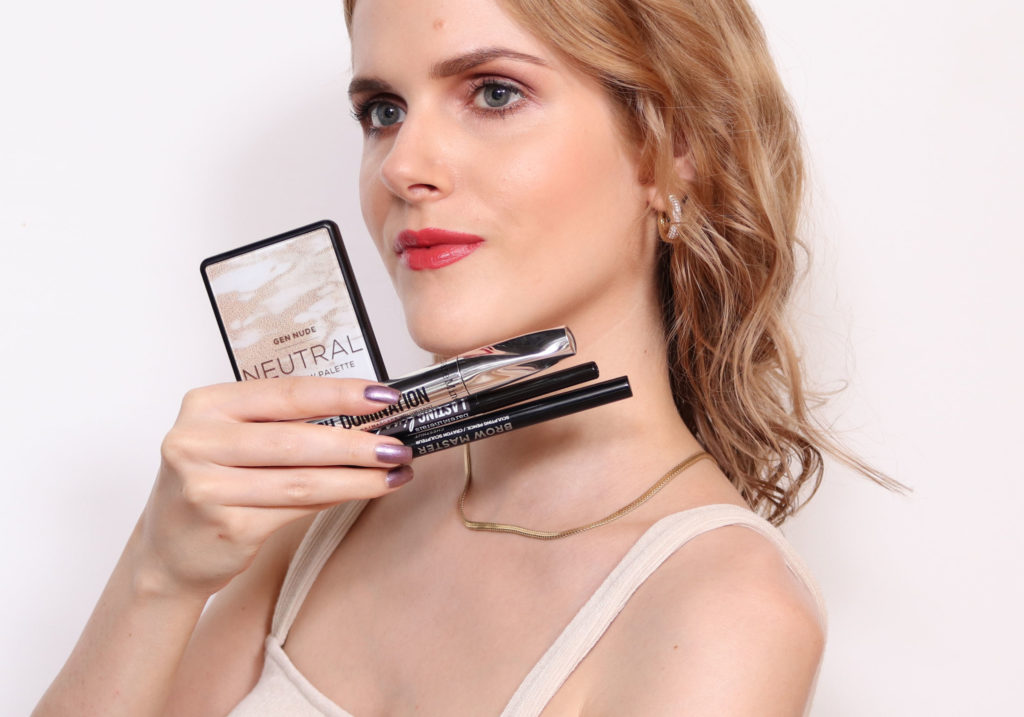 bareMinerals All Eyes On Me Makeup Look
